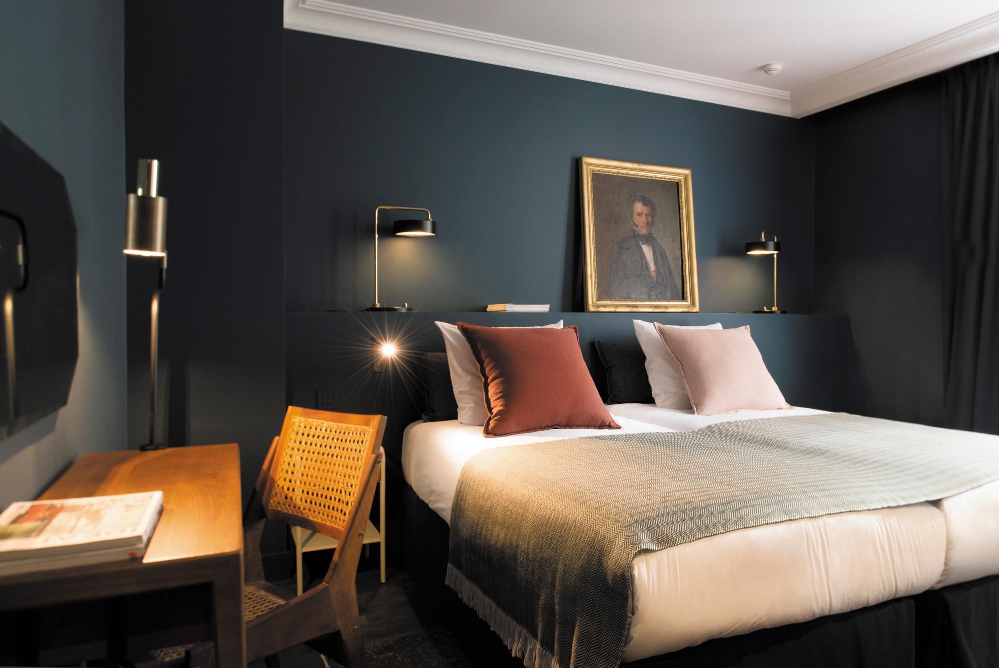 A boutique home in paris the c o q hotel inattendu for Paris boutiques hotels