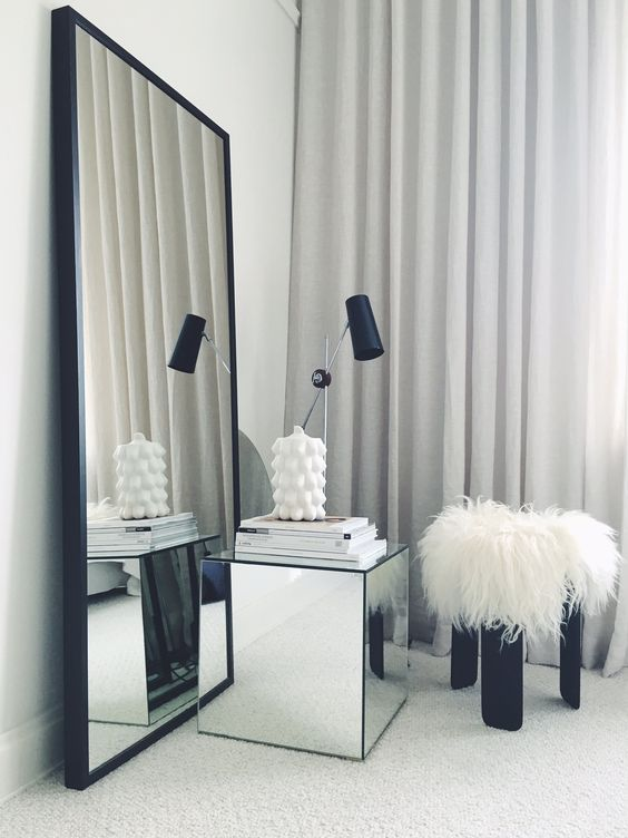 A Mirror In Front Of A Mirror! How Smart! Via Hannasroom.
