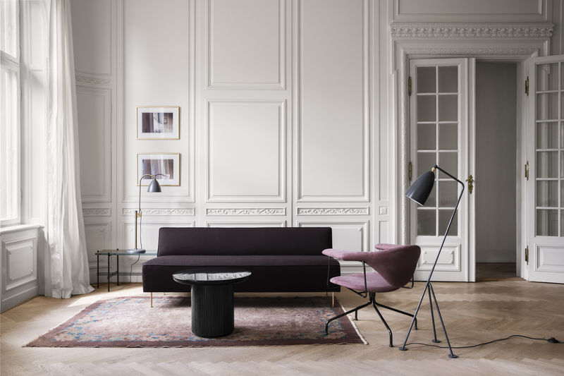 ts-console_bestlite-bl1_modern-line-sofa-vidar-382_moon-lounge-table_masculo-lounge-couium-nubuk-2125-800x800