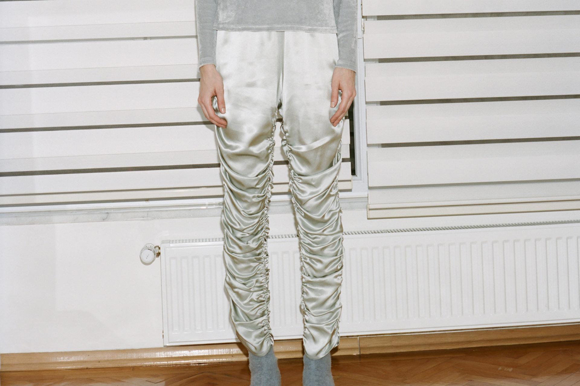 sahar-long-sleeve-tee-silver-shiny-velour-nador-pants-dusty-blue-silk-satin-aw16-13230006-1920x1280