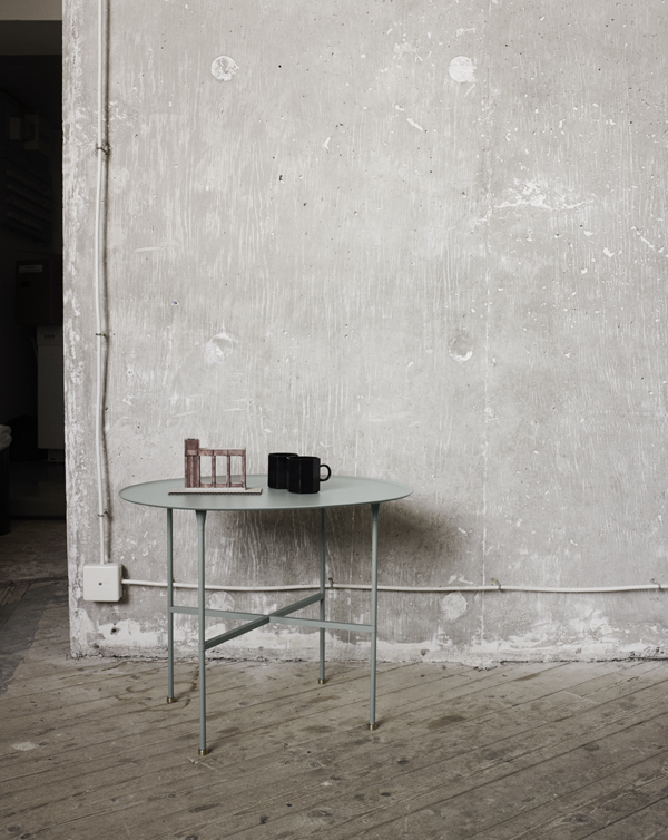 1840003_brut_table__slate_grey_04
