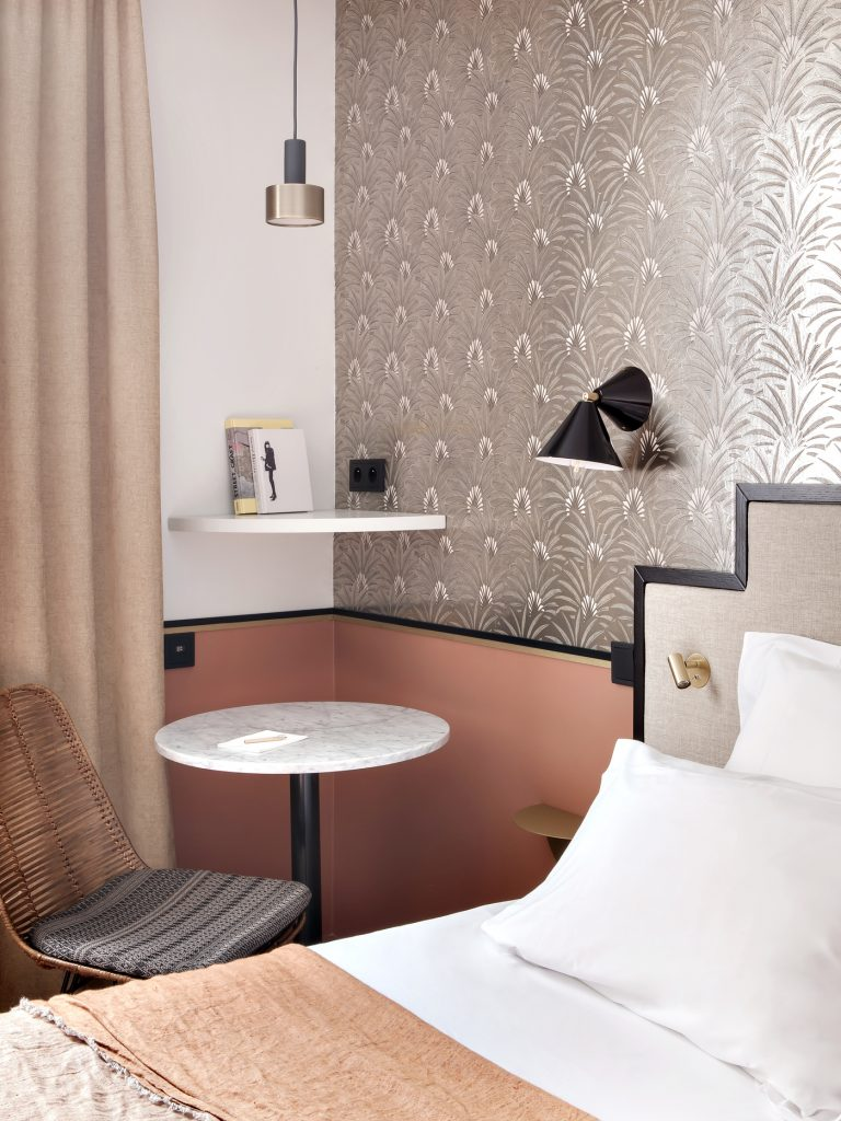 travel hotel doisy toile paris inattendu. Black Bedroom Furniture Sets. Home Design Ideas