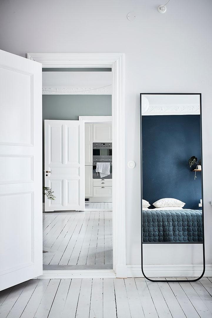 Blue_walls_1