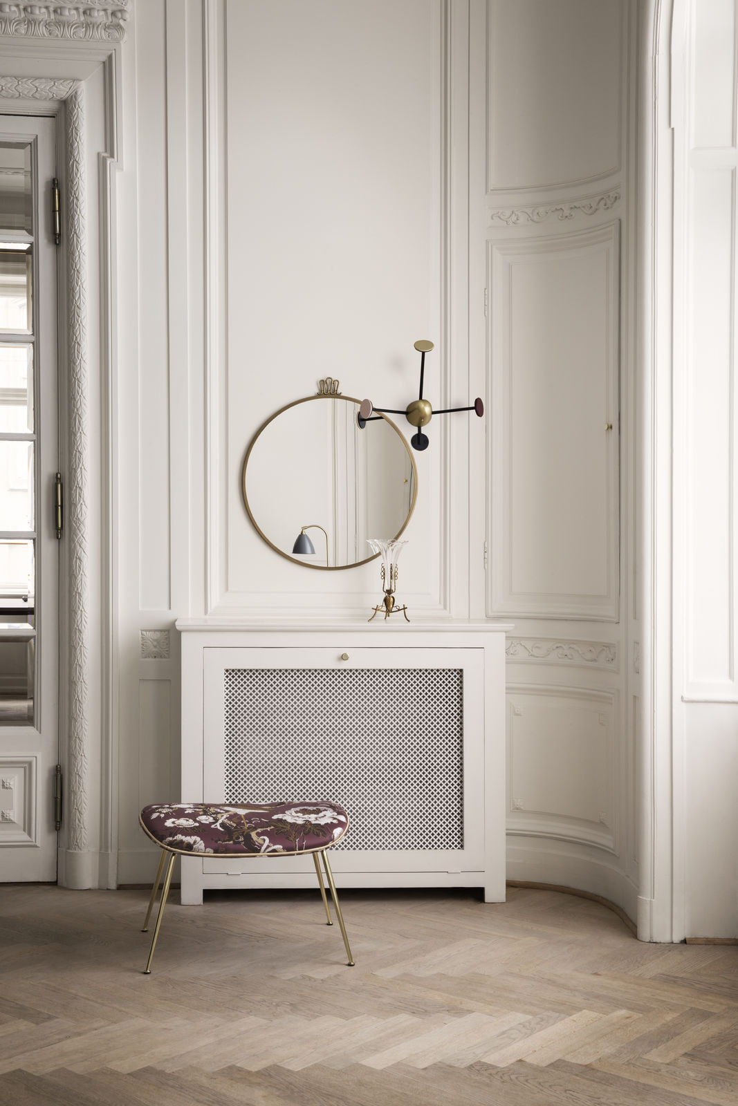 randaccio-mirror_mategot-coat-rack-vintage-red_beetle-footstool-dedar-silkbird-jaquard-t16025002-piping-luce-g06617-1600x1600