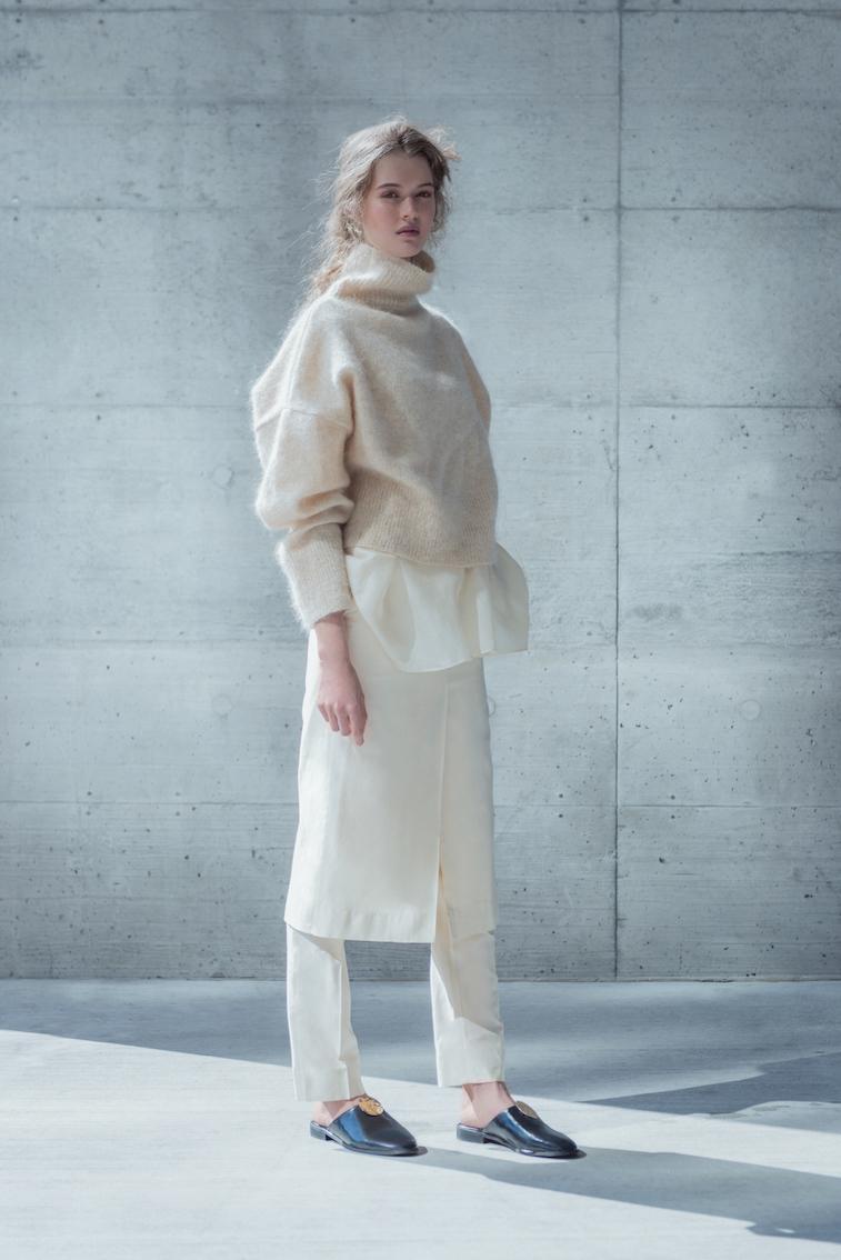 coltraneaw16-lou-mohair-knit-sweater-beige-celine-1