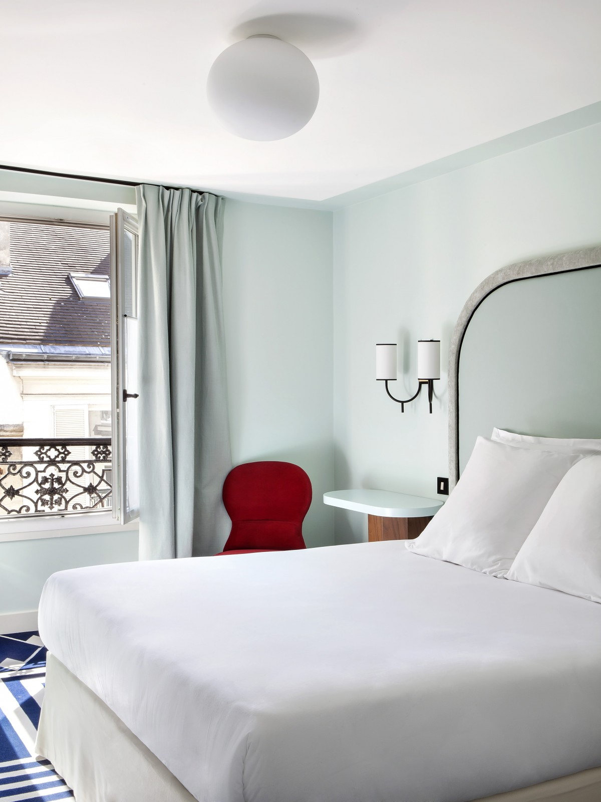 Travel Hotel Bienvenue Paris Inattendu