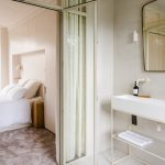 A Light-Flooded London Townhouse with an En-Suite Bathroom